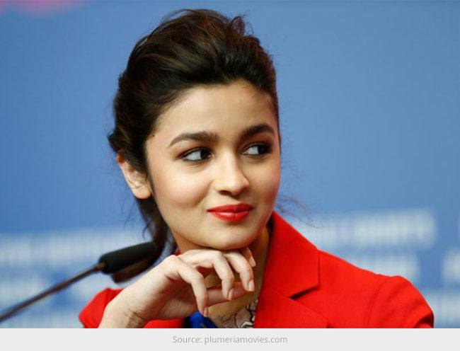 Alia Bhatt Looking Sexy and Not So Vulnerable!