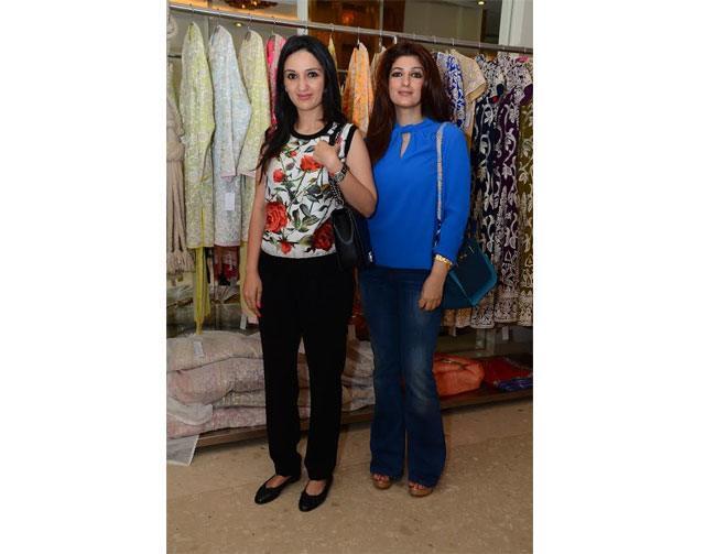 Anu Dewan with Twinkle Khanna