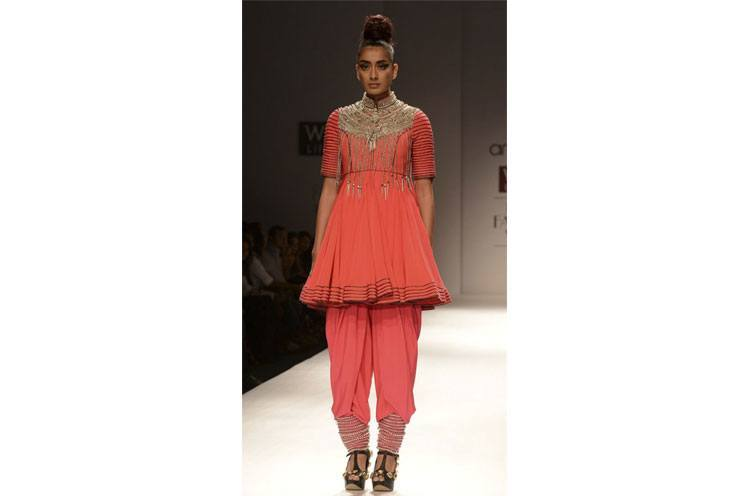 Dhoti Pants for this Summer