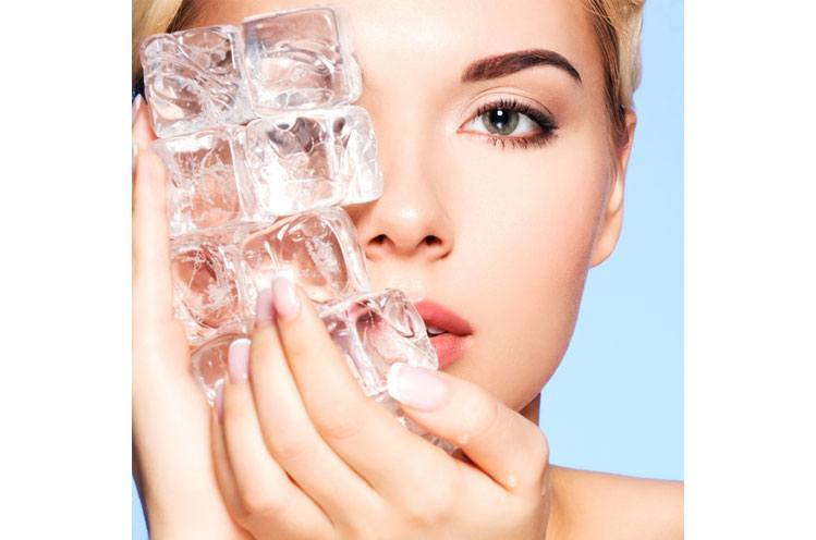 Different Ice Cubes apply skin