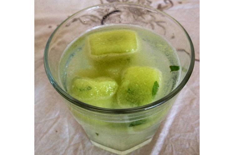 Ice Cubes Scrub