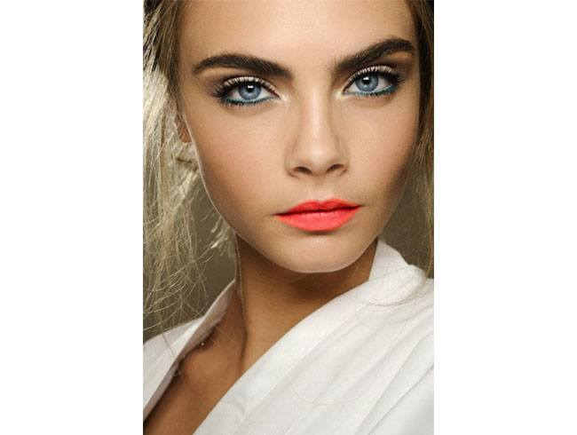 Sheer Shadow Makeup for Blue Eyes