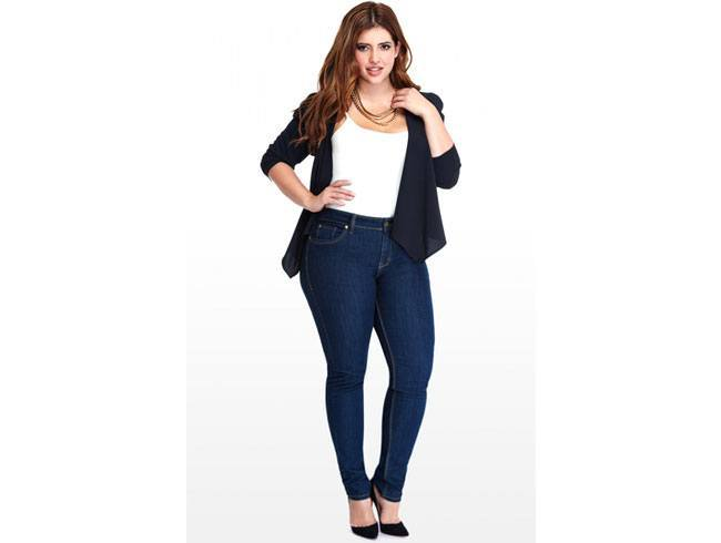 How to Wear Skinny Jeans For Plus Size Woman