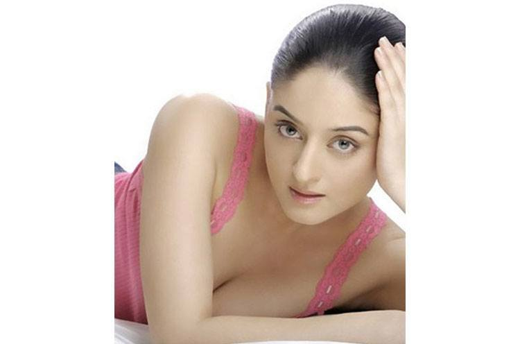Mahi Vij is Hottest Indian TV Actor