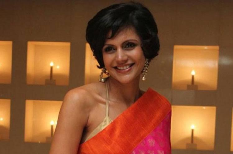 Mandira Bedi is Hottest Indian TV Acter