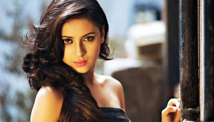 Pratyusha Banerjee as a Indian TV Acter