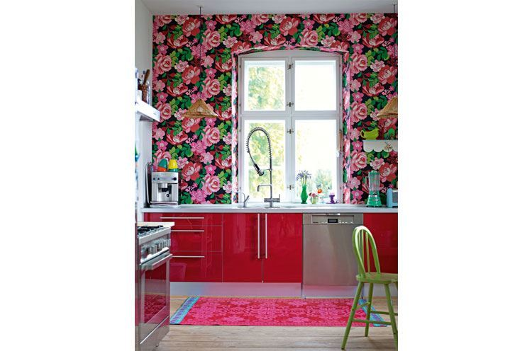 Red and Bright Pink Colour Combinations