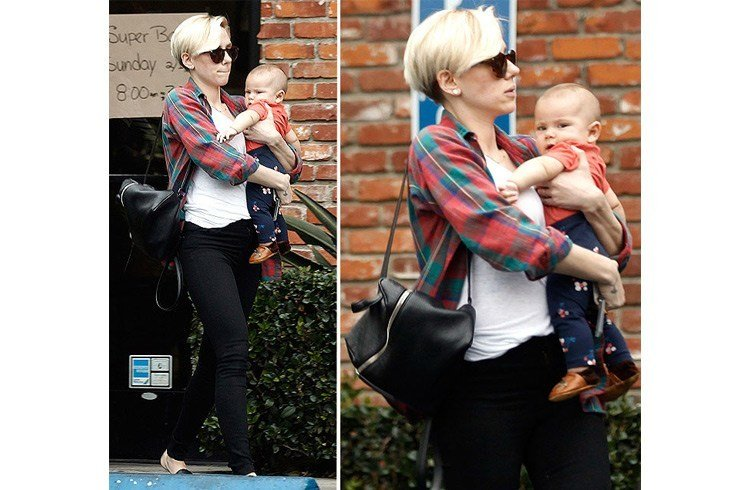Scarlett Johansson with her baby girl