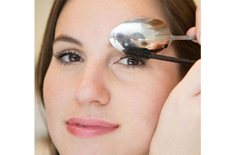 Use the spoon to avoid mascara marks