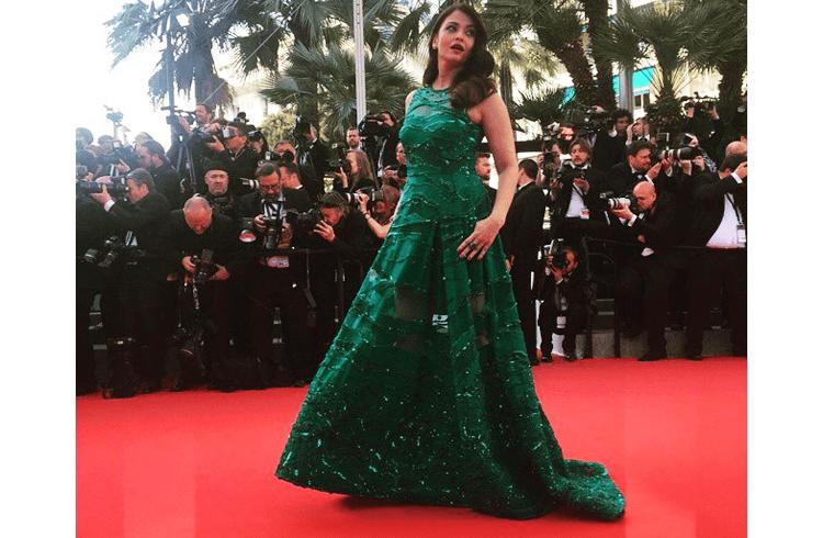 Aishwarya Rai Cannes 2015 red carpet