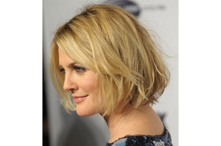 hairstyles for growing out a pixie
