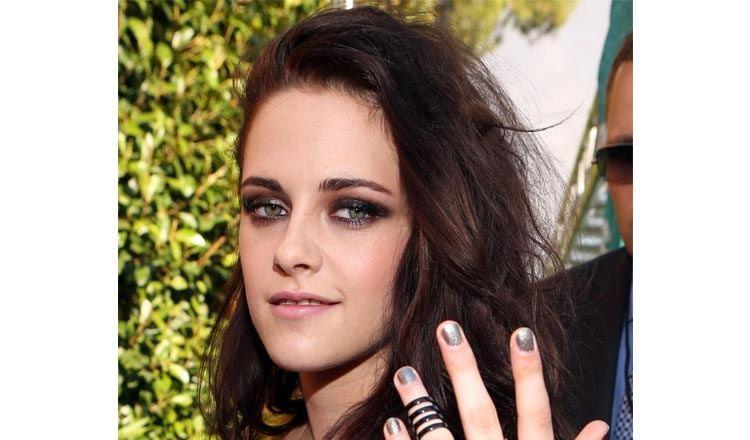 Kristen Stewart smokey eye