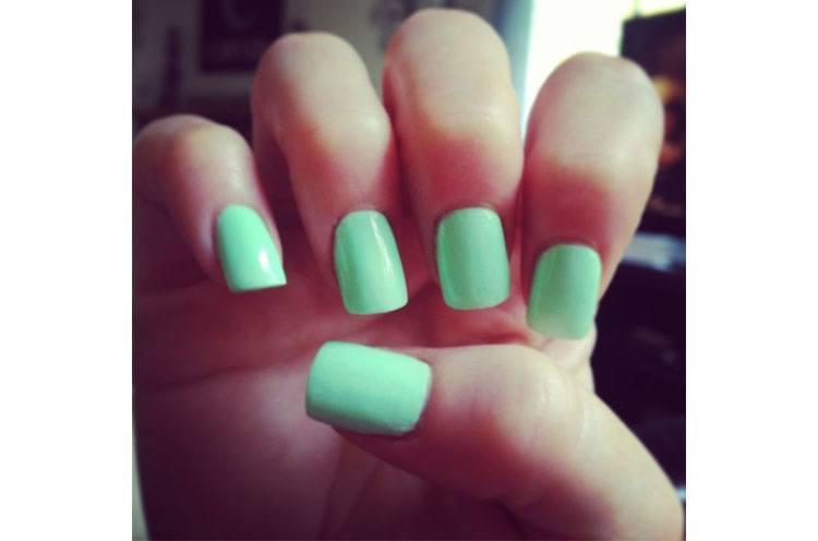 mint color nail polish