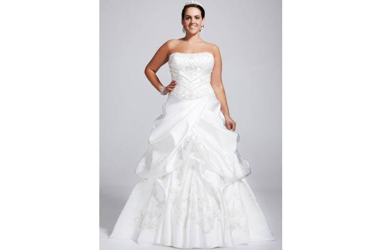Plus size wedding costumes