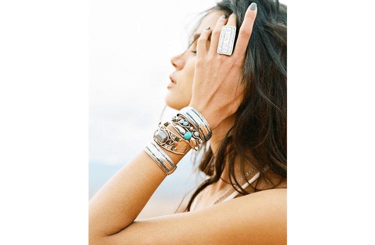 How To Wear Silver Bangle Bracelets