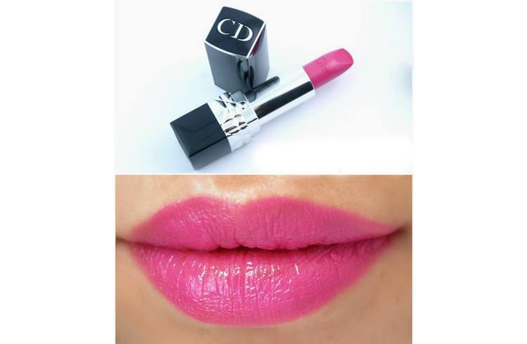 Summer lipstick stains