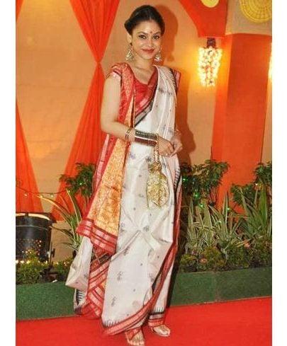Sumona Chakravarti in Bengali styles saree
