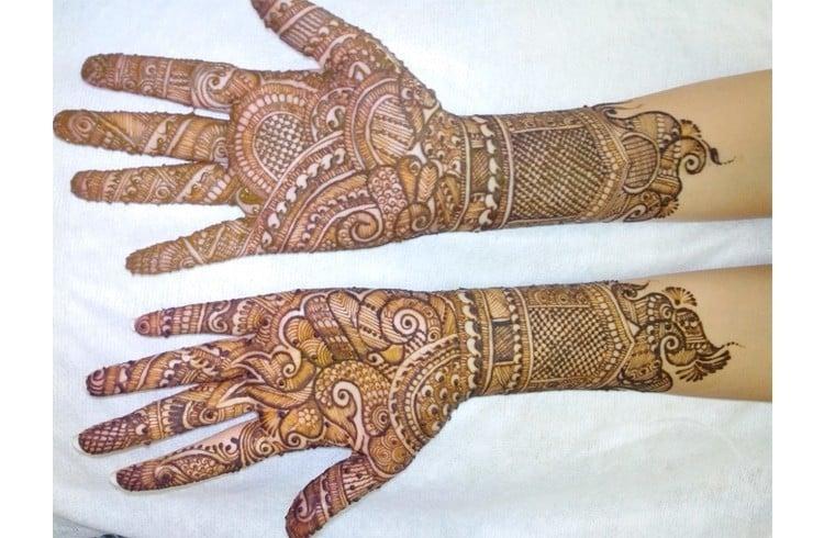 Jyoti Chheda Mehndi Designs | makedes.com
