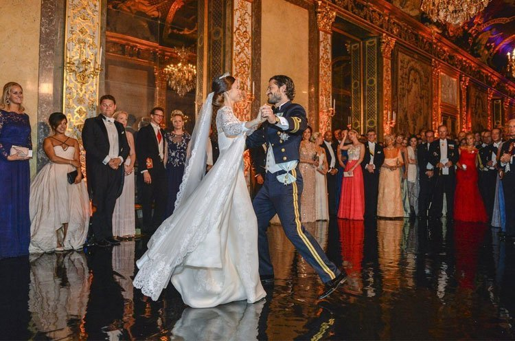 Prince Carl Philip Sofia wedding dress