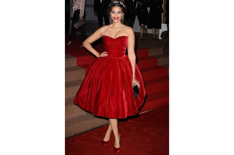 Sonam Kapoor in Dolce and Gabbana Red dress