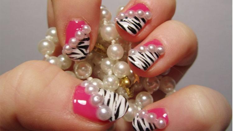 Womens 3D nail art