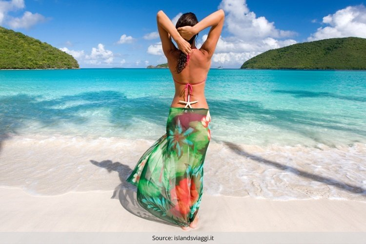 10 Sexy and Colourful Sarongs Ideas for the Summer Months at the Beach .