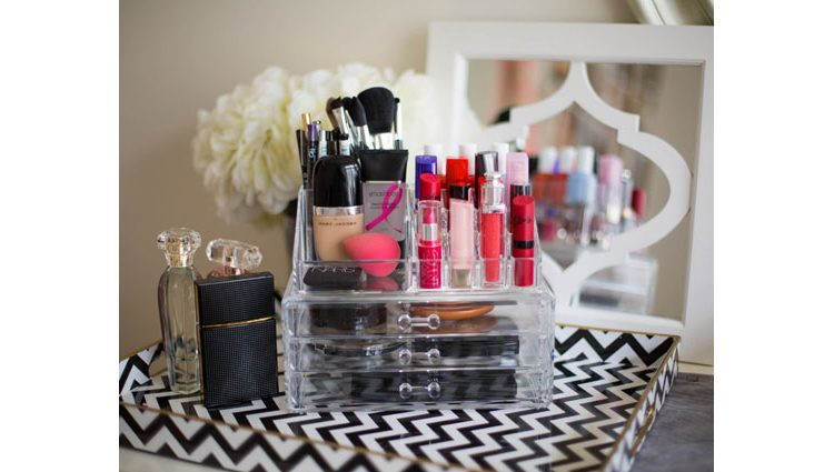 Desk organisers for beauty-products