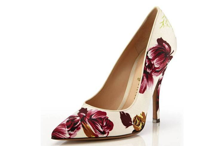 Fancy ivory pumps