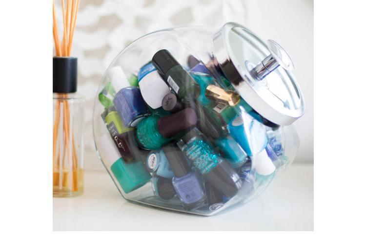 Fancy jar for nail enamels