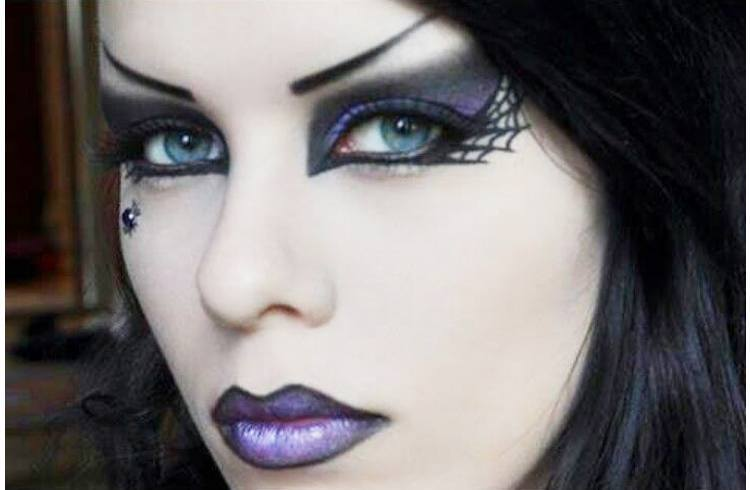 Top 11 Must-Haves for Right Gothic Makeup Essentials