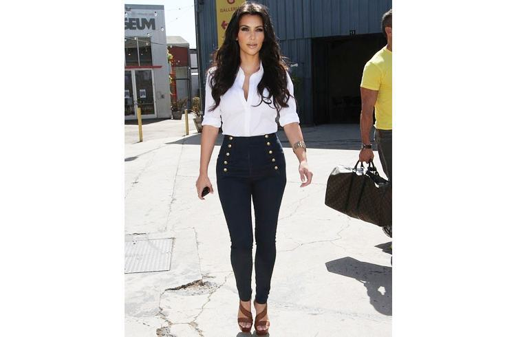 Kim in high wais jeans