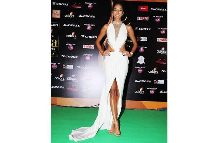 Lisa Haydon at IIFA 2015