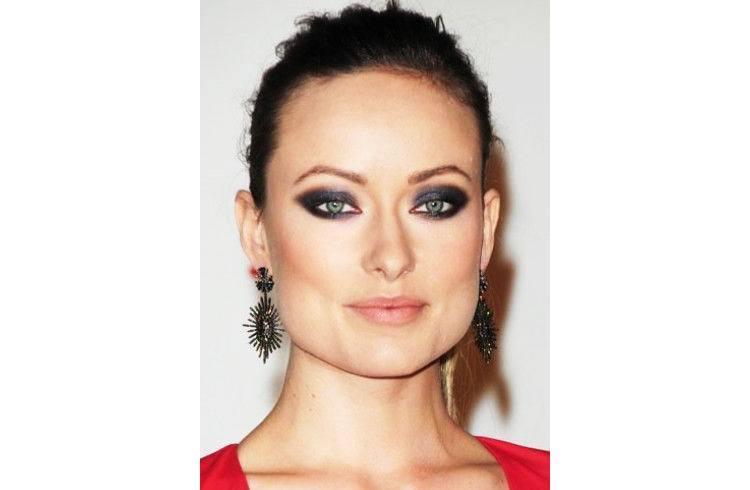 Olivia blue eye shadow