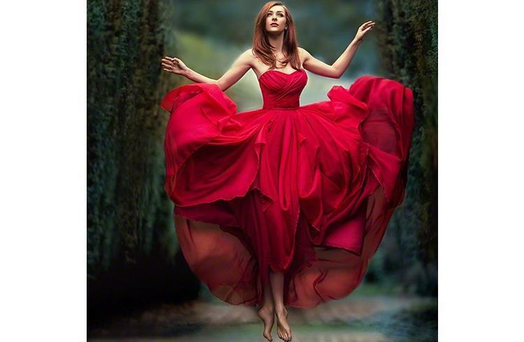 Red gown for prom party