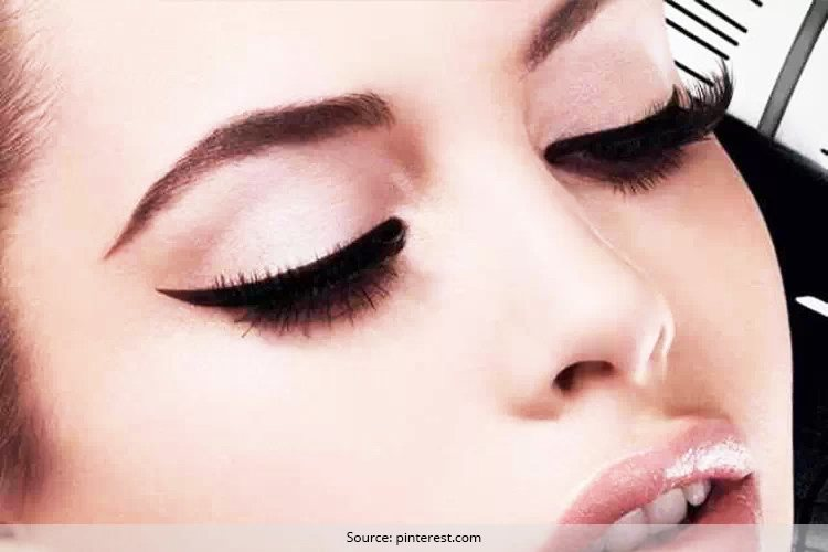 Ways to wear black eyeliner