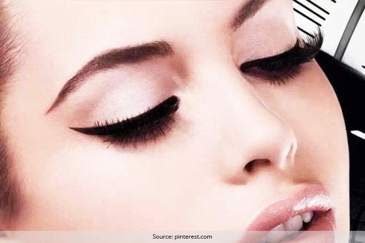 Ways to wear black eyeliner