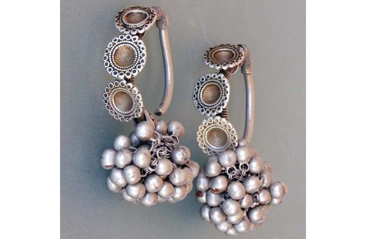 Women silver tribal earings