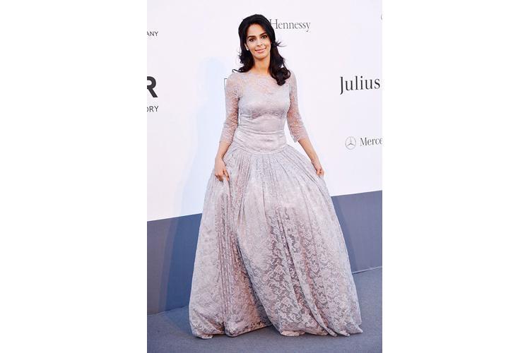 Mallika Sherawat outfits