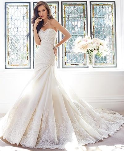 Alessandra Rinaudo bridal gowns