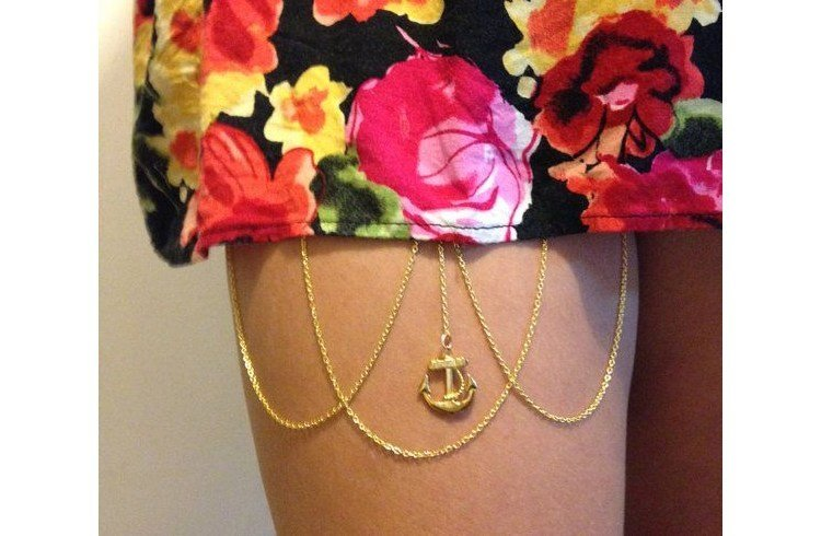 Anchored thigh and arm chain