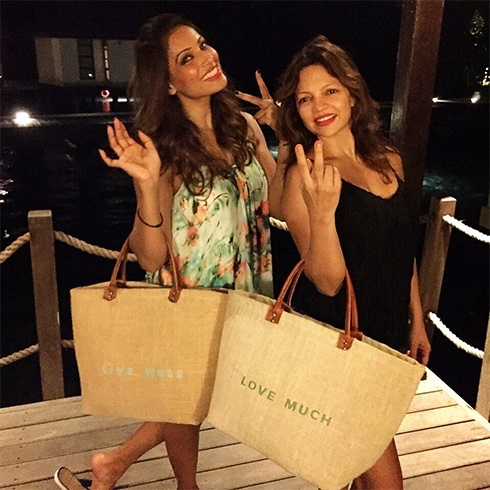 Bipasha Basu shopping