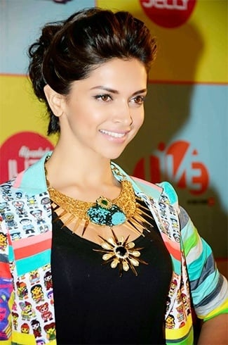 Deepika Pinned Bun Hairstyle
