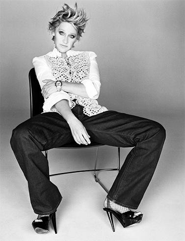 Ellen in heels