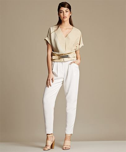 Stylish clothes for women run the gamut, depending on what individuals consider fabulous and fashionable. Whether the look of the day leans toward Boho chic, minimalistic, or totally trendy, it's easy to find women's clothing in all the most flattering styles.