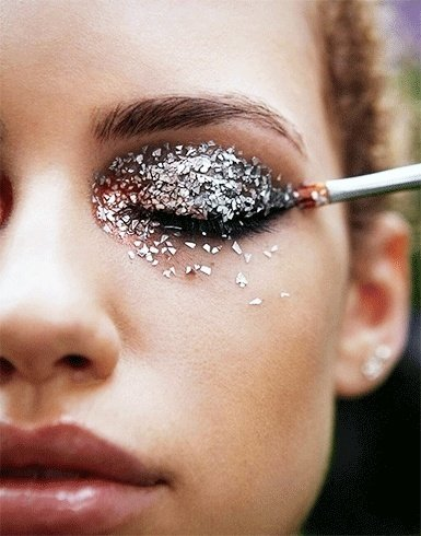 Glitter eyeshadow bandwagon