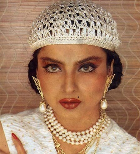 Rekha in twiggy eyed look