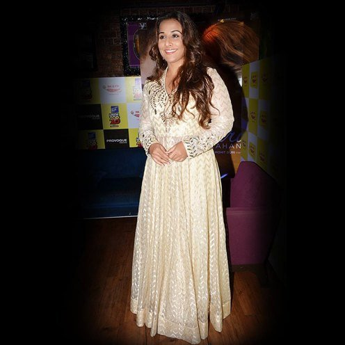 Vidya Balan Dressing up by Anita Dongre