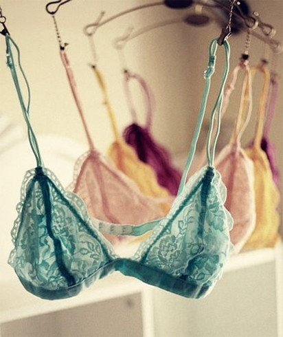 Bra colours