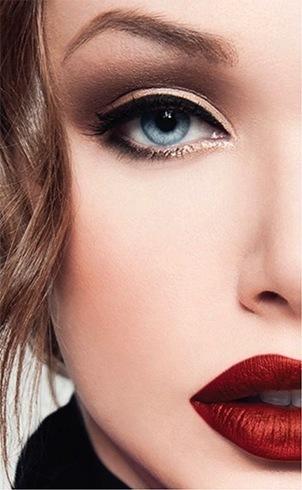 Dark lipstick looks