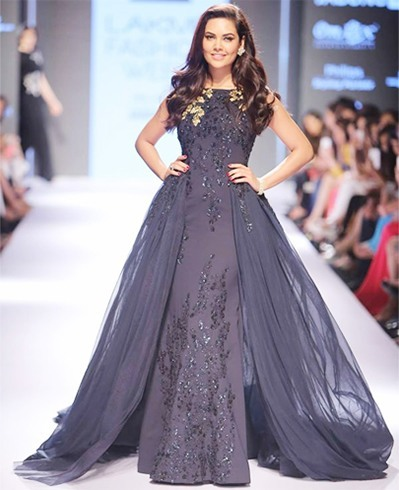 Esha Gupta for Ridhi Mehra at LFW 2015